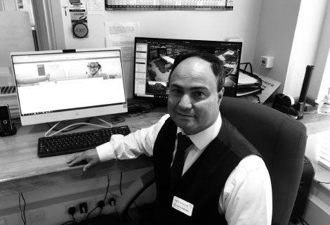 Ricardo, Duty Manager